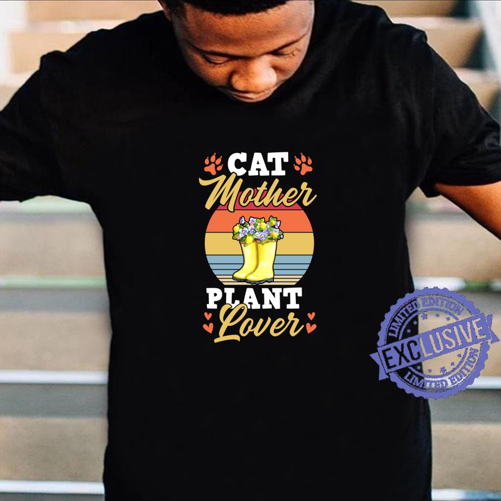 Cat Mother Plant Trendy Cute Floral Garden Boots Shirt